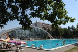 Hongarije hotel Béke zwembad1